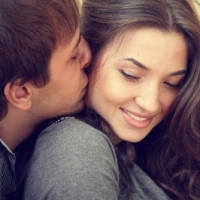 6 Secrets to Attract Men And Get Them to Notice You