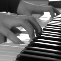 Adult Piano Lessons – It's Never Too Late to Fulfill Your Piano Playing Dreams!