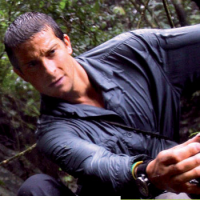 Bear Grylls Signs Deal With Dockers for 2012