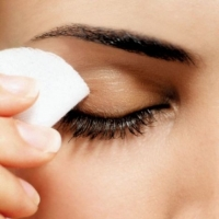 Best Eye Makeup Remover - Whats Your Secret?