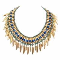 Complete Your Evening Wear With A Gold Pendant Necklace