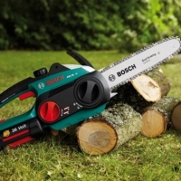 Cordless Chainsaws  -  Are they Worth Buying?