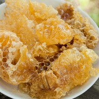 Discover 4 Honey Benefits for Skin And 5 Things That Honey Can Do to Improve Skin