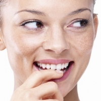 Easy And Effective Ways to Get Rid Of Yellow Teeth