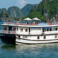 Enjoy Your Trip to Halong Bay at Low Cost