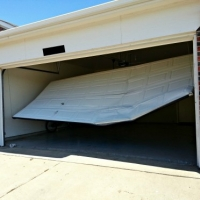 Garage Door Maintenance Tips For Safety & Convenience