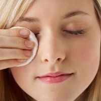 Homemade Eye Makeup Remover - A Secret Recipe?