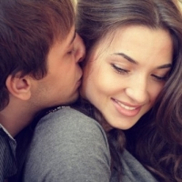 How to Make Him Love Me – 5 Tips to Make Him Fall In Love With You