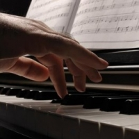 How to Play Piano – Four Tips to Establishing Solid Piano Playing Skills