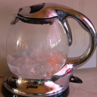 How to Remove Acne With Hot Water
