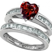 January Birthstone Mothers Ring