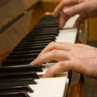 Start Learning Piano  -  It\'s Never Too Late!