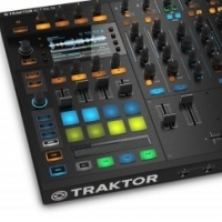 The Future is Here! Can the Traktor S8 Be the Future Of Djing?