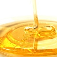 The Secret to Removing Acne Scars With Honey