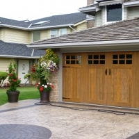 When You Need To Call A Garage Door Repair Service